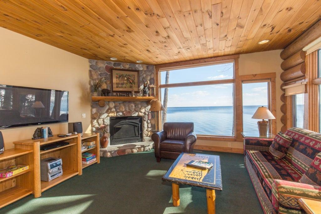 3 Bedroom Lake Home