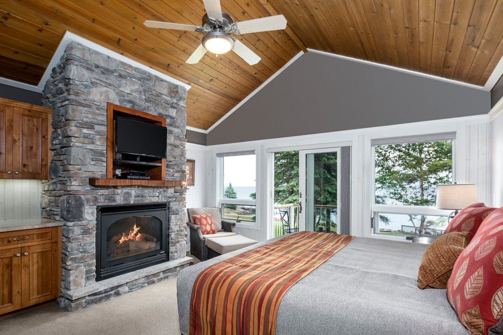 Lakeside Suite + Guest Room